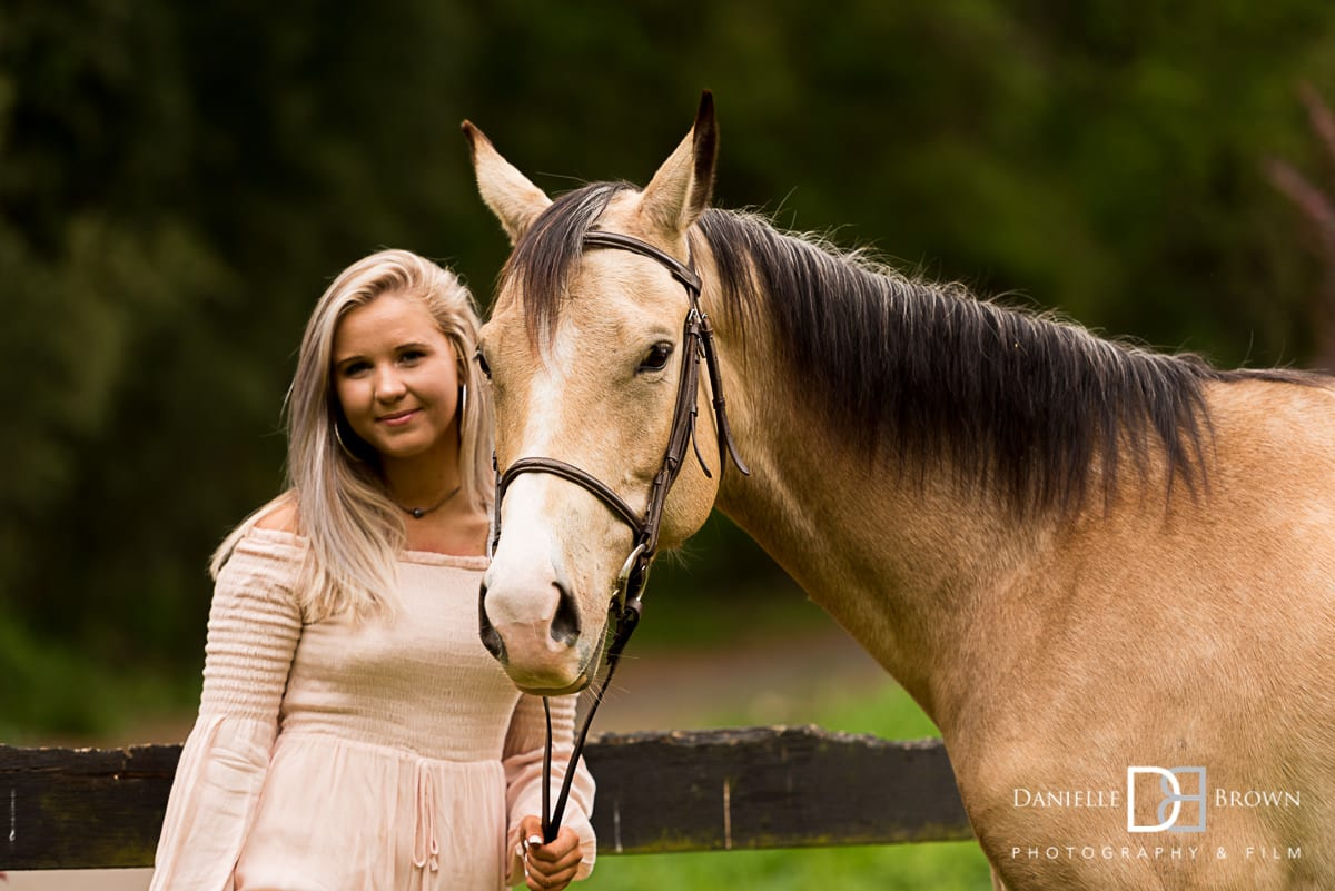 high school senior portraits with horse